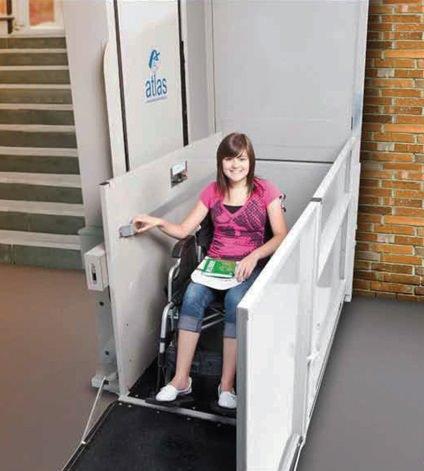Atlas Vista 613 vertical wheelchair platform lift