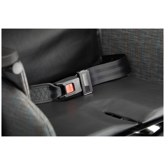 Broda Synthesis V4 transport chair, Seat belt