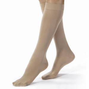 Jobst women's opaque knee-high 30-40mmHg extra firm stocking, closed toe, small, silky beige
