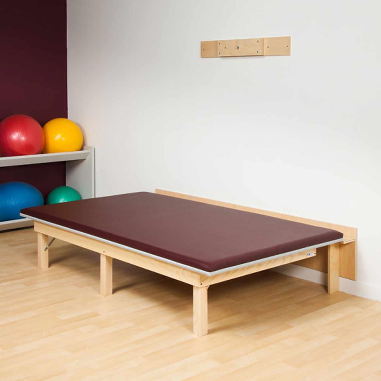 Clinton space saving, folding mat platform