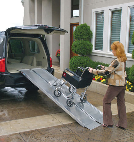 Signature series suitcase ramp for wheelchairs