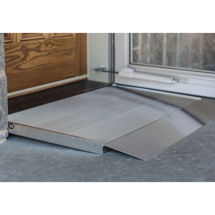 Transitions threshold angled entry ramp