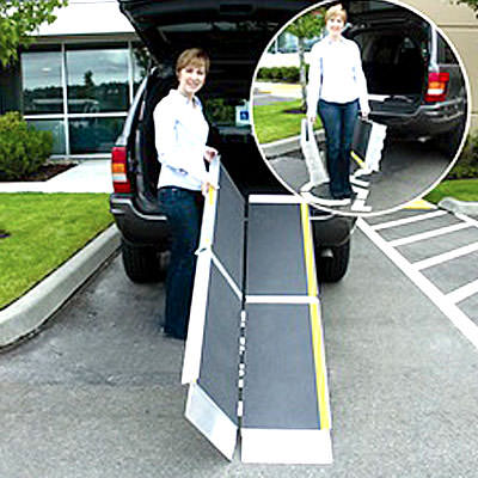 Suitcase trifold advantage series portable ramp
