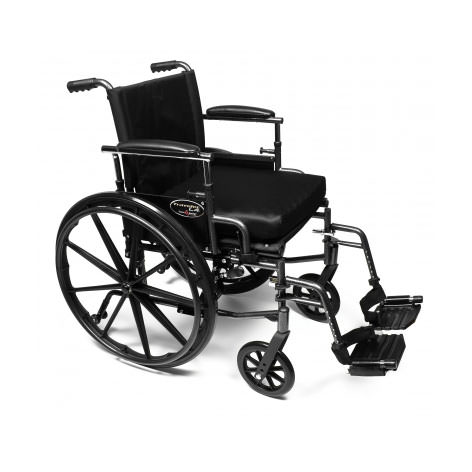 Everest & Jennings Traveler L4 wheelchair with swingaway footrests