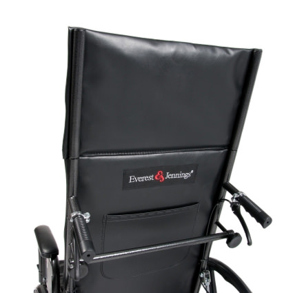 Chart pocket and spreader bar for Advantage recliner wheelchair