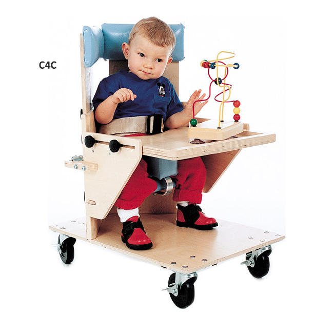 Kaye corner chair with casters