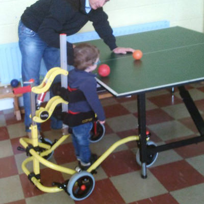 Buddy roamer posterior pediatric gait trainer