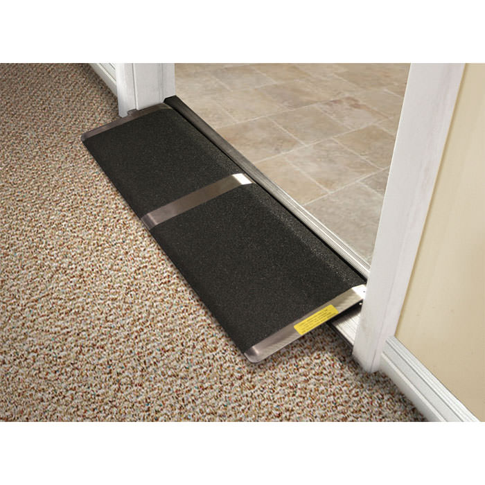 PVI Standard threshold ramp - High traction surface