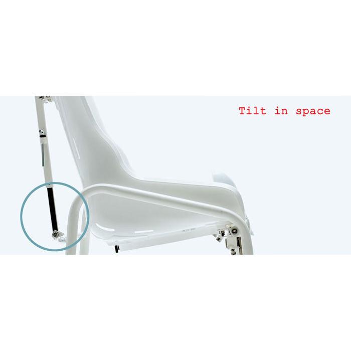 R82 Swan chair