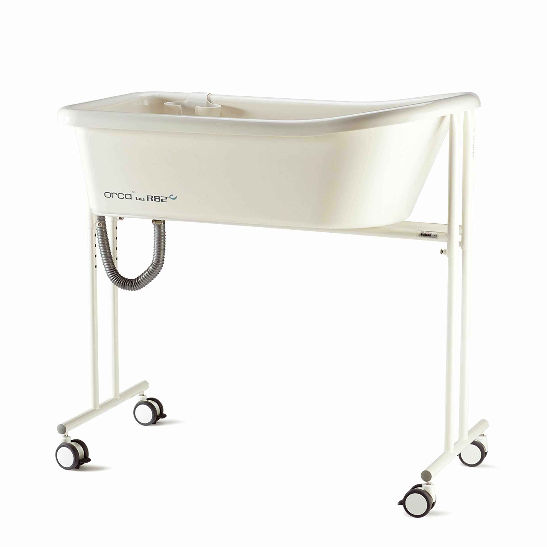 R82 Orca bath tub