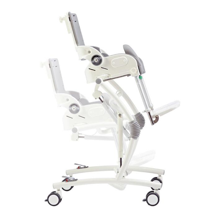 R82 Flamingo chair
