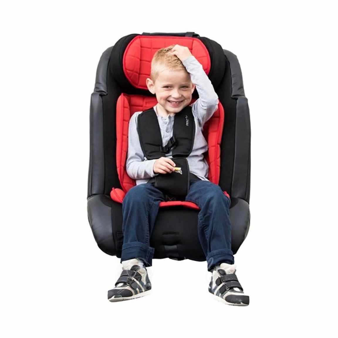 R82 Wallaroo car seat