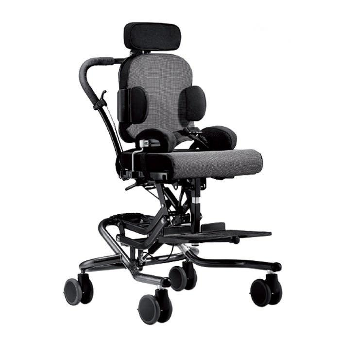 R82 wombat chair