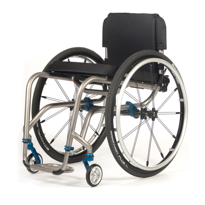 TR rigid ultralight wheelchair
