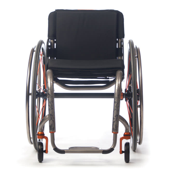 TiLite ZR wheelchair front view