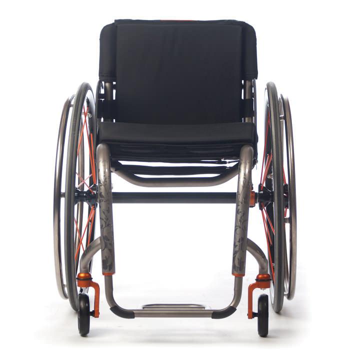 TiLite ZR wheelchair front view