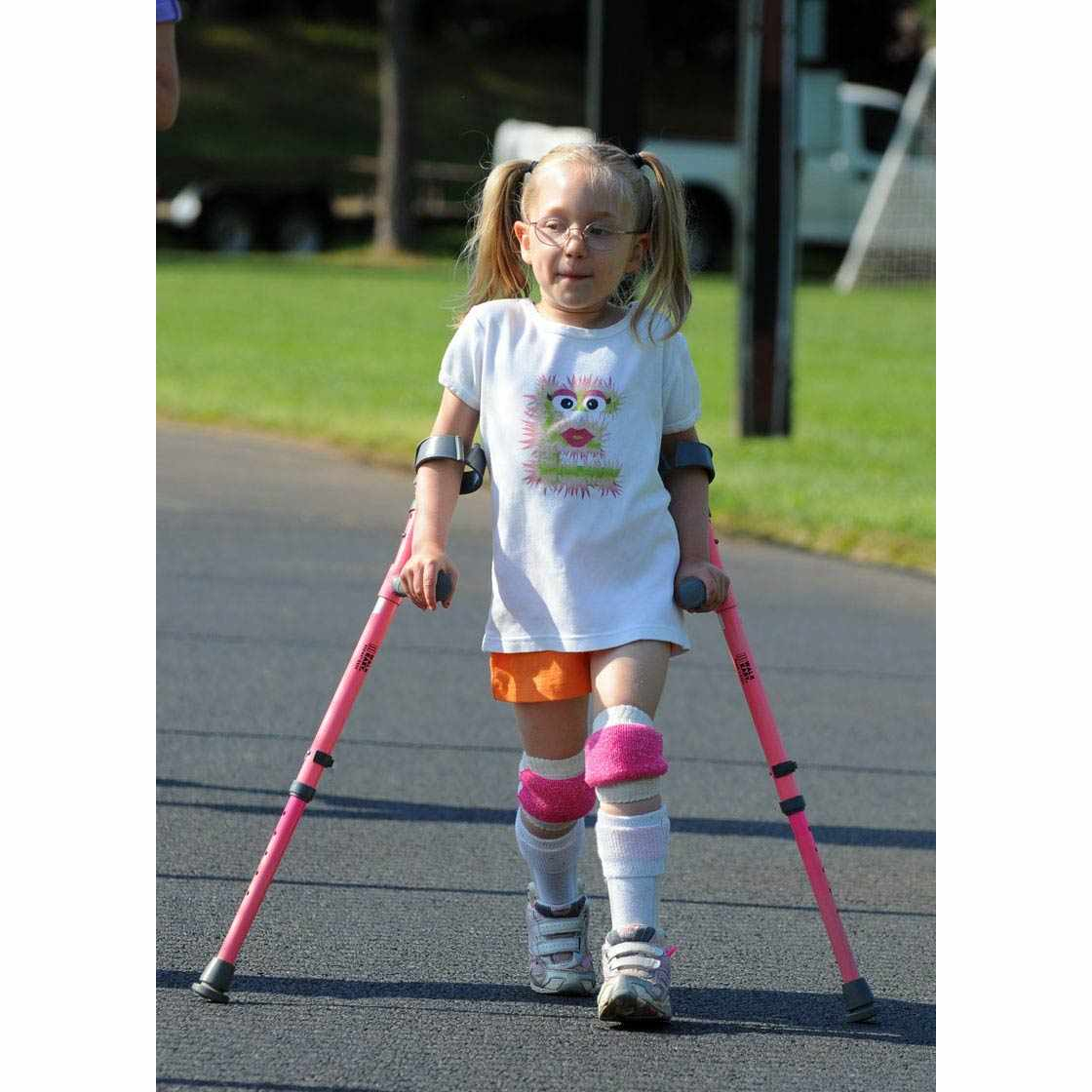 Walk Easy Forearm Height Adjustable Crutches With 3Inch Full Cuff
